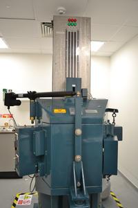 Gamma irradiator